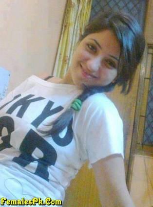 Lahore Girls in T Shirt