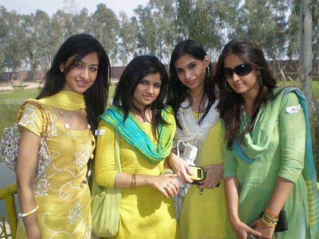 Hayat Abad Girls Mobile-Numbers