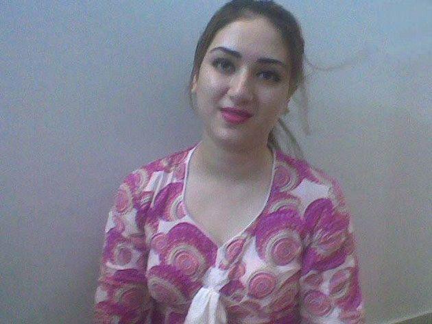 Pictures of pakistani girls femalespk com for Nisha bano with husband