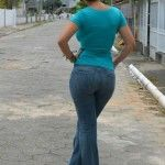 Sexy-Girls-in-Tight-Jeans