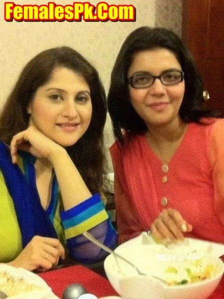 Nida Yasir Facebook Page
